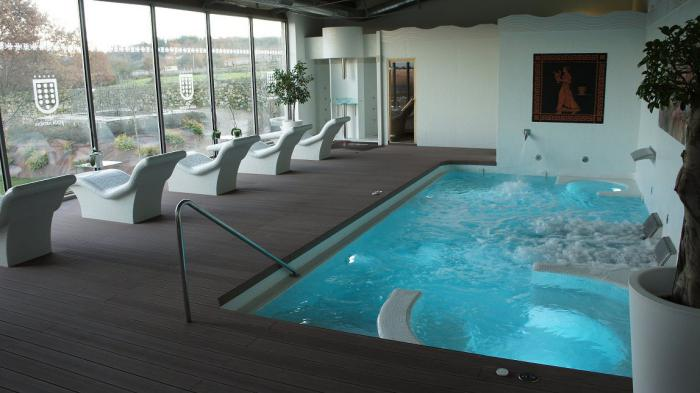 thermes-de-spa-zone-thermale-de-spa-avec-piscine