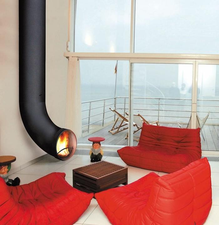 une-cheminée-centrale-suspendue-modernité-intérieur-oculaire