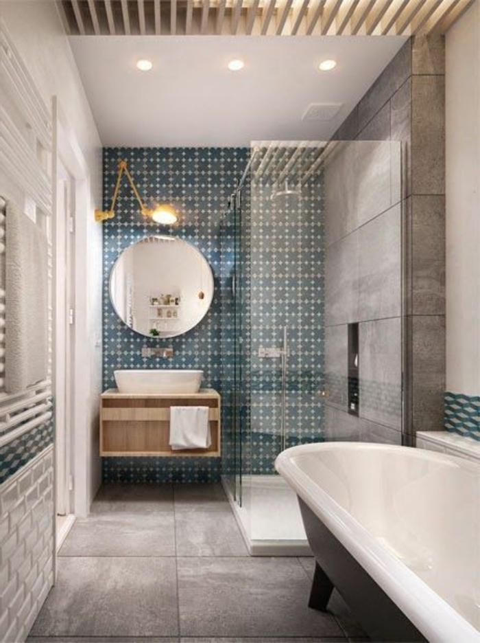 Le carrelage mural en 50 variantes pour vos murs for Couleur salle de bain carrelage gris