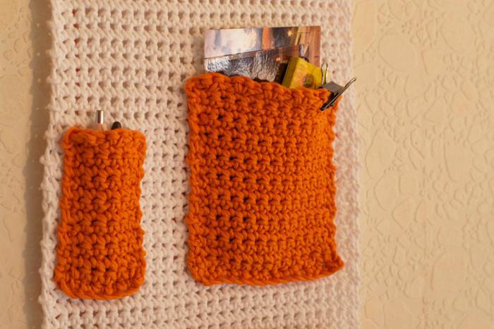 vide-poche-mural-pochette-murale-crochetée-orange