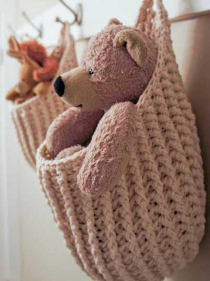 vide-poche-mural-sacs-crochetés-suspendus-roses