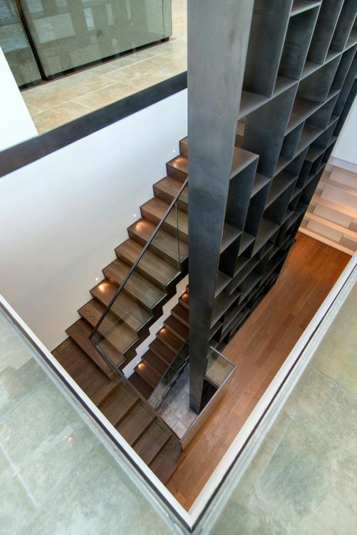 voici-une-autre-variante-pour-escalier-tournant-en-bois-foncé