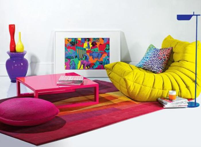 0-chauffeuses-bultex-jaunes-pour-avoir-le-plus-coloré-salon-tapis-rose-et-table-basse-de-salon-rose