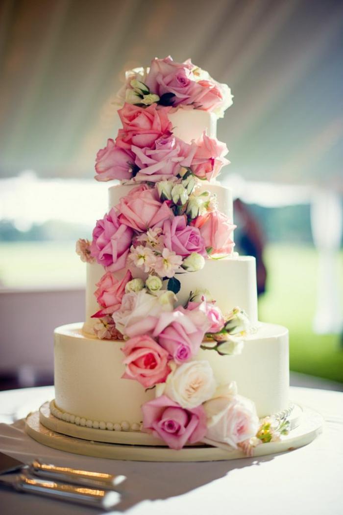 0-comment-choisir-la-meilleure-decoration-pour-le-gateau-de-mariage-pièce-montée-decoration-avec-fleurs