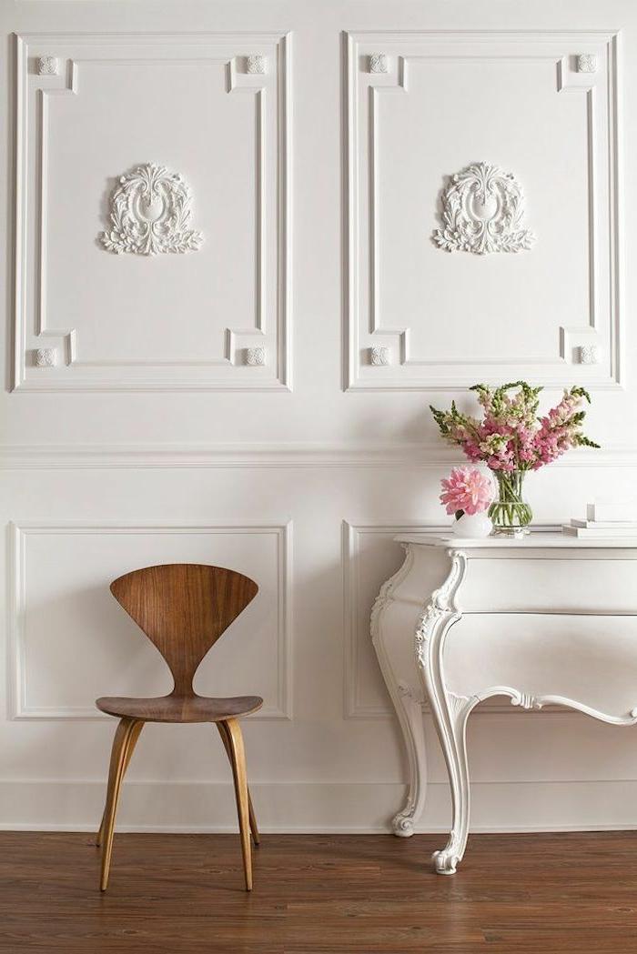 0-comment-decorer-les-murs-avec-moulure-décorative-blanche-moulures-decoratives-pour-les-murs