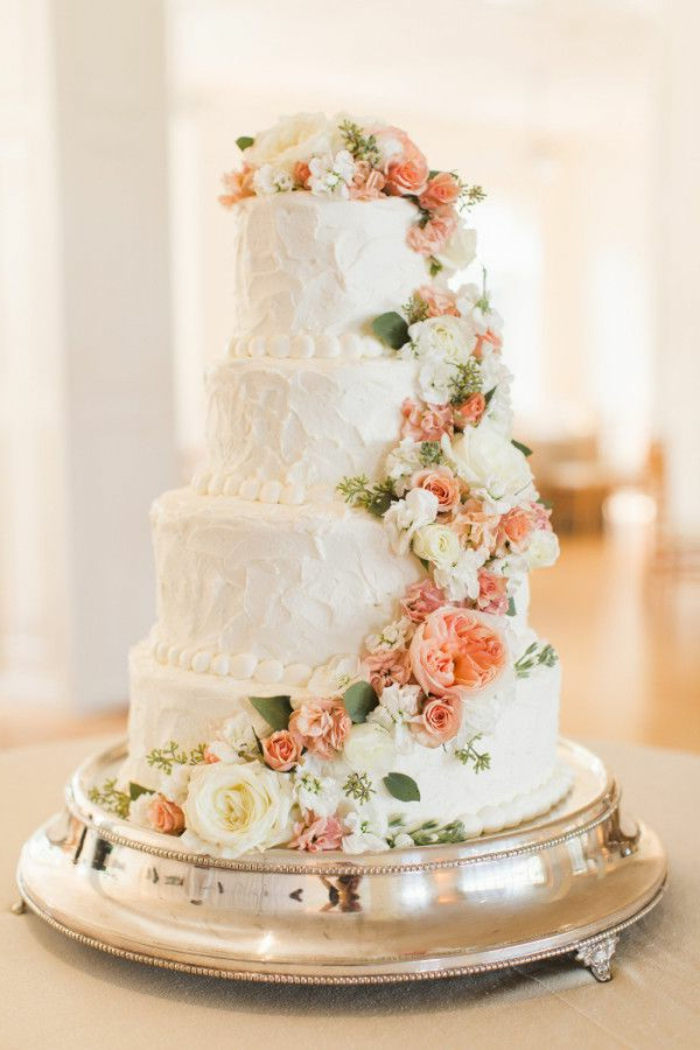 0-gateau-de-mariage-pièce-montée-coux-mariage-avec-decoration-en-fleurs