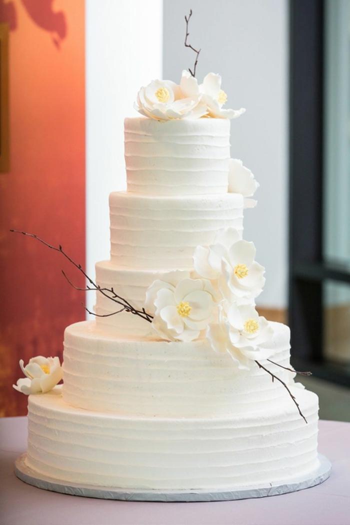 0-gateau-de-mariage-pièce-montée-coux-mariage-elegante-variante-de-wedding-cake-avec-decoration