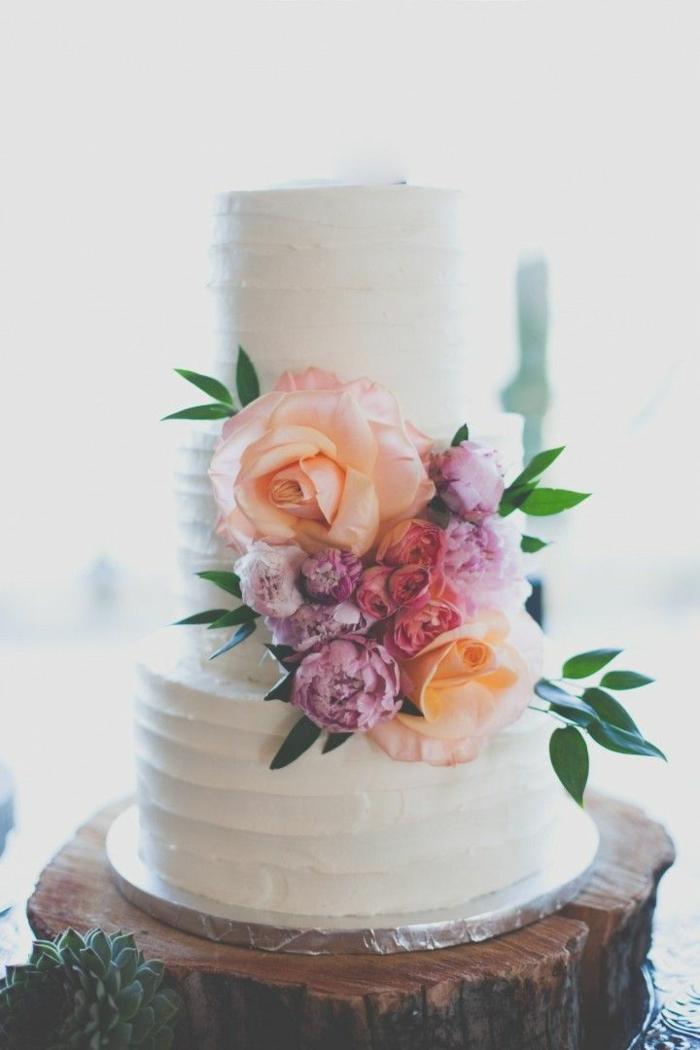 0-jolie-decoration-sur-la-wedding-cake-comment-decorer-le-gateau-de-mariage-pièce-montée