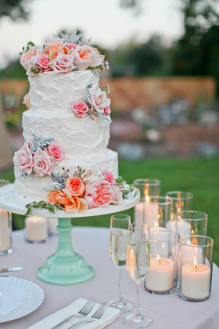 0-le-meilleur-gâteau-de-mariage-pièce-montée-coux-mariage-avec-decoration-fleurs-colorés