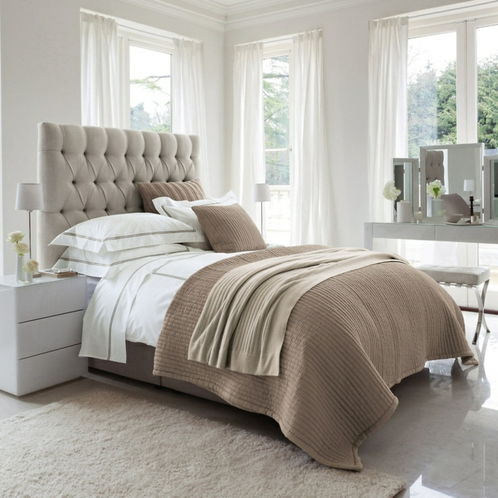 chambre blanc et taupe. Black Bedroom Furniture Sets. Home Design Ideas