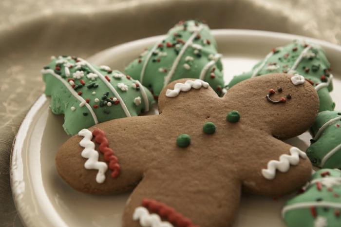 00-biscuit-de-noël-en-forme-interessante-recette-pour-bredele-de-noel