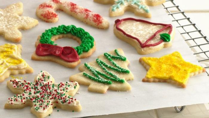 1-biscuit-de-noël-en-differentes-formes-comment-choisir-une-recette-pour-biscuit-de-noël