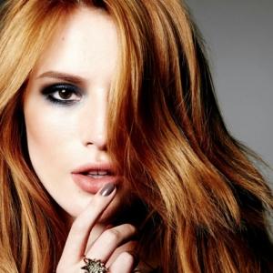 Le blond cuivré fait son grand retour. Comment choisir la couleur de vos cheveux?