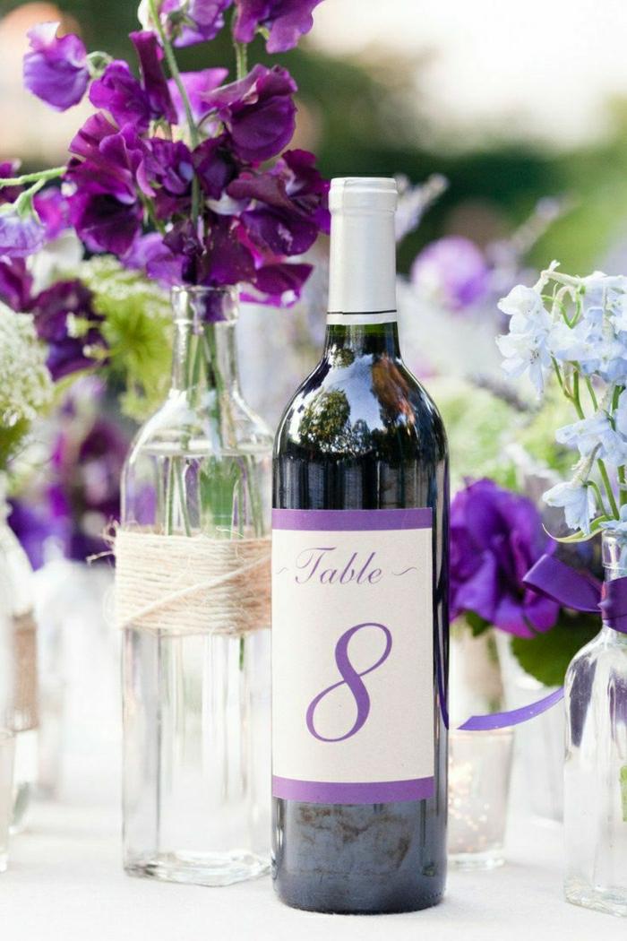 1-bouteille-de-vin-personnalisée-etiquette-vin-personnalisé-avec-numero-violette-pour-la-table-de-mariage