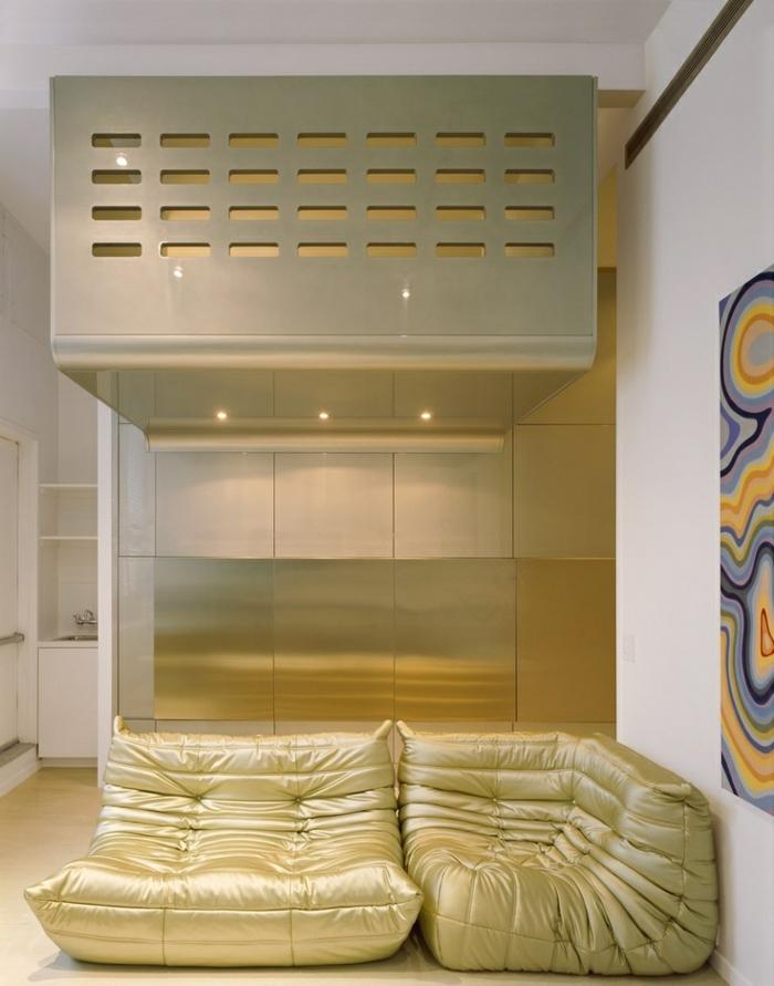 1-chauffeuses-bultex-en-cuir-salon-en-sol-en-parquet-clair-luminaire-plafond-led