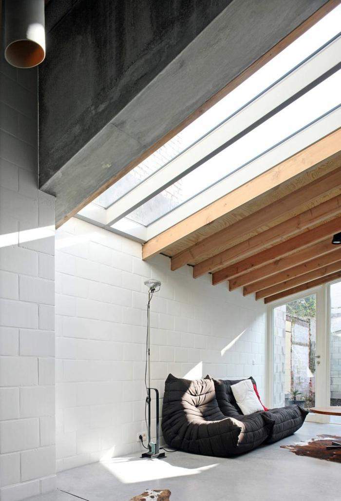 plafond sous pente simple fixation des plaques de placo au plafond with plafond sous pente. Black Bedroom Furniture Sets. Home Design Ideas