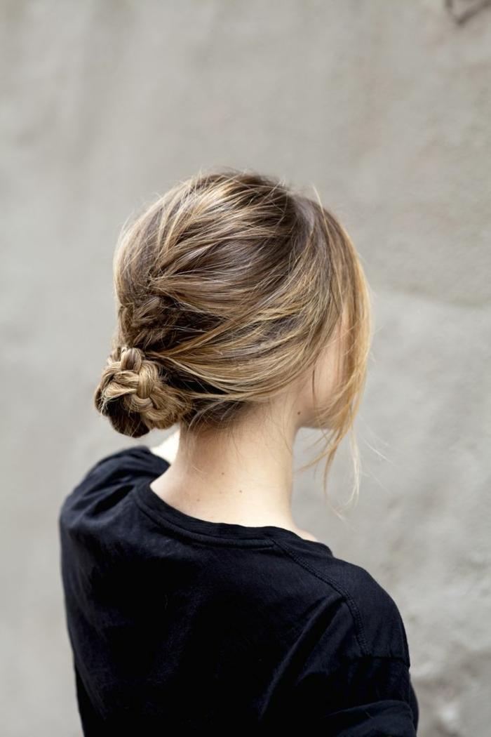 1-coiffure-facile-cheveux-mi-long-balayage-blond-cheveux-longs-pour-les-filles-modernes