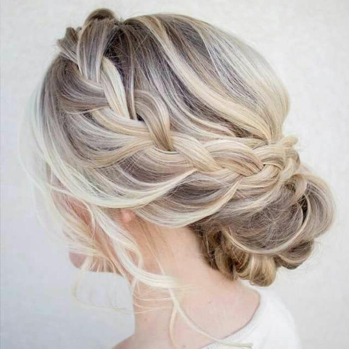 Beaucoup d 39 id es diy pour une coiffure de soir e facile for Miroir coiffure st augustin