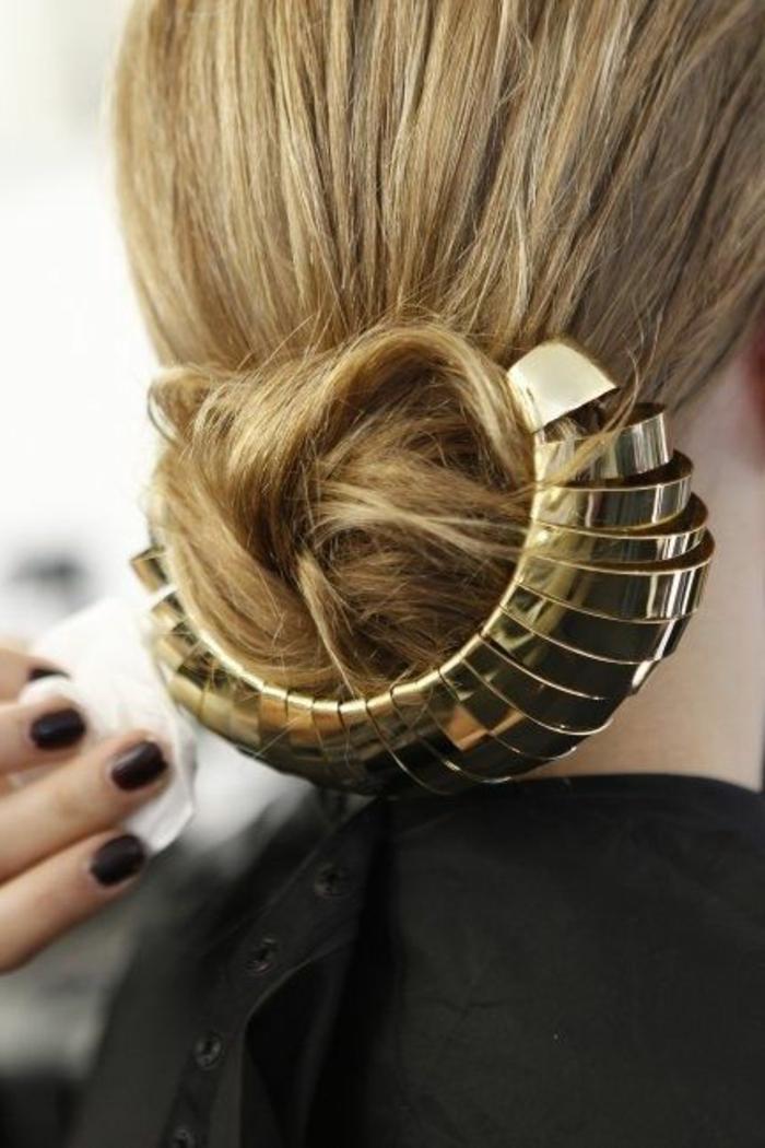1-coiffure-facile-cheveux-mi-long-blonds-comment-etre-elegante-avec-une-jolie-coiffure-facile