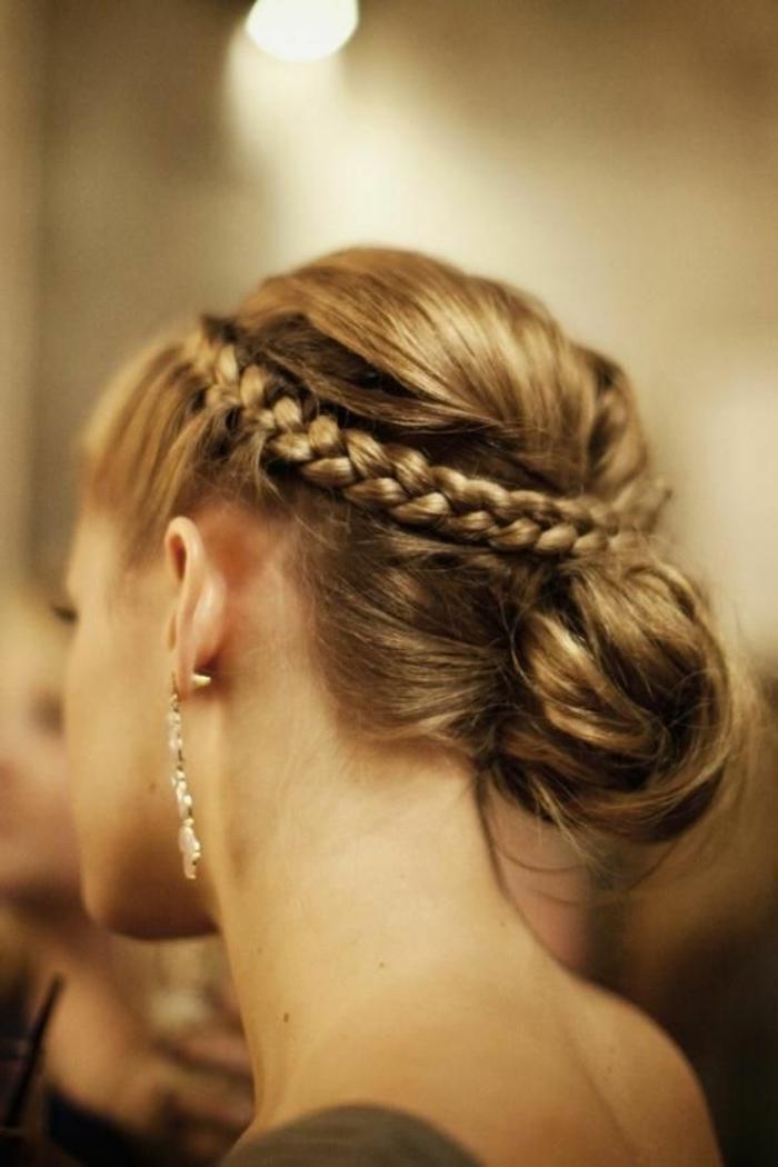 1-coiffure-facile-cheveux-mi-long-pour-les-filles-modernes-qui-aiment-les-coiffures-simples