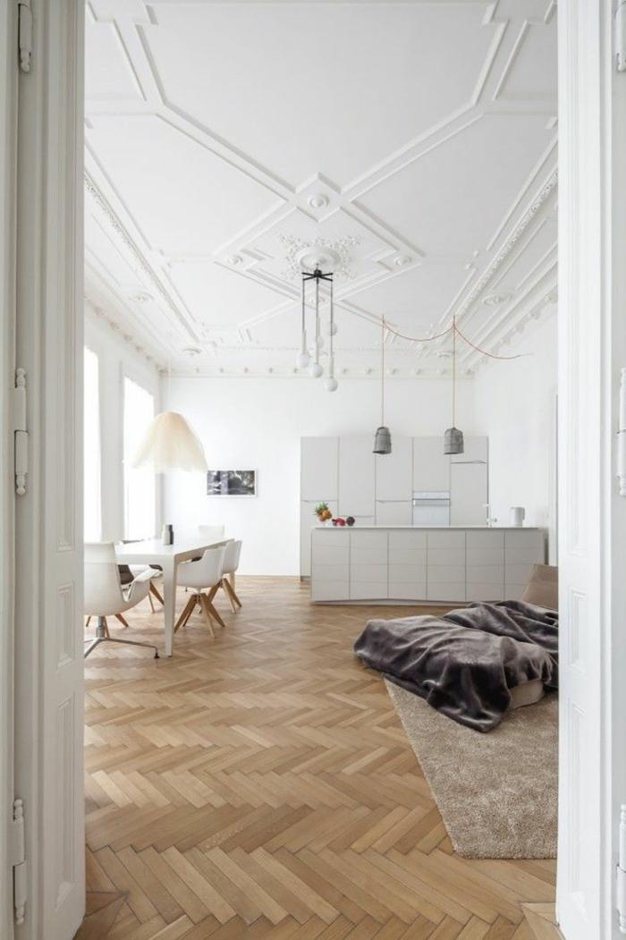 1-comment-bien-choisir-le-moulure-décorative-pour-le-plafond-dans-le-salon-d-esprit-loft