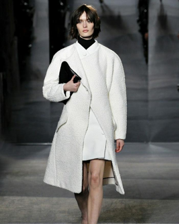 1-comment-etre-a-la-mode-avec-le-manteau-officier-femme-manteau-zara-femme-de-couleur-blanc
