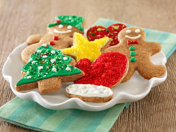 1-comment-faire-les-meilleures-biscuits-de-noël-les-meilleurs-bredele-de-noel-pour-la-table-de-noel