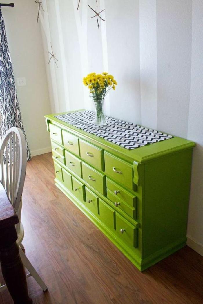 1-comment-repeindre-les-meubles-patines-un-joli-commode-en-bois-de-couleur-vert