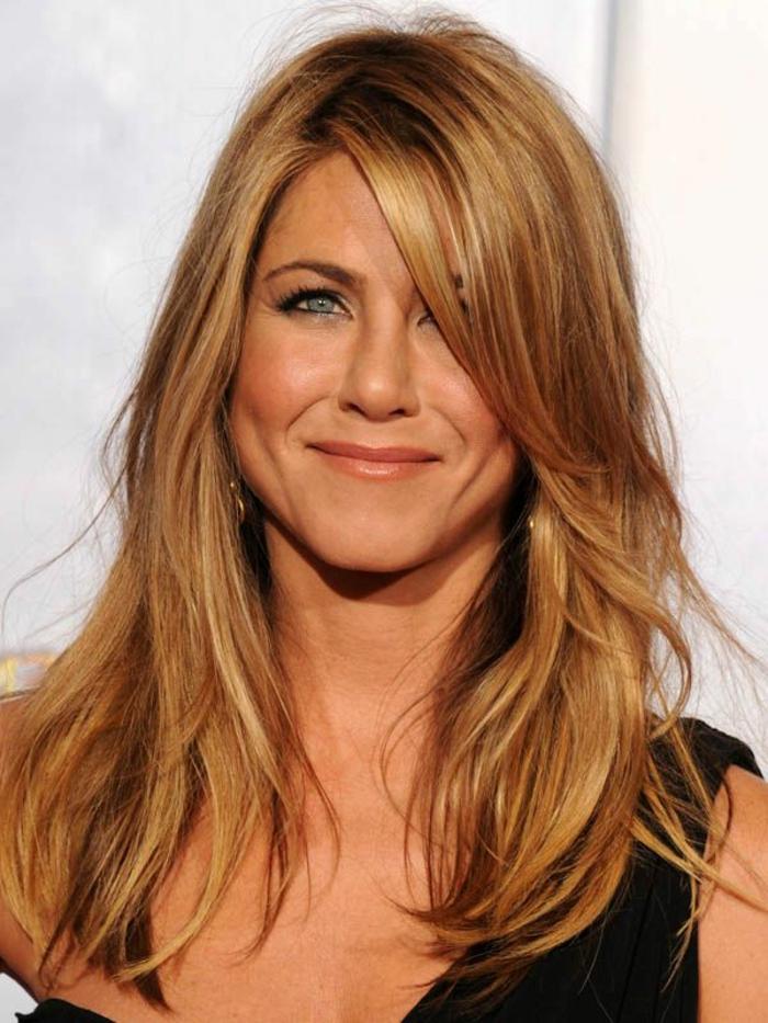1-couleur-de-cheveux-blond-cuivré-meche-blond-porte-par-les-stars-jenifer-aniston