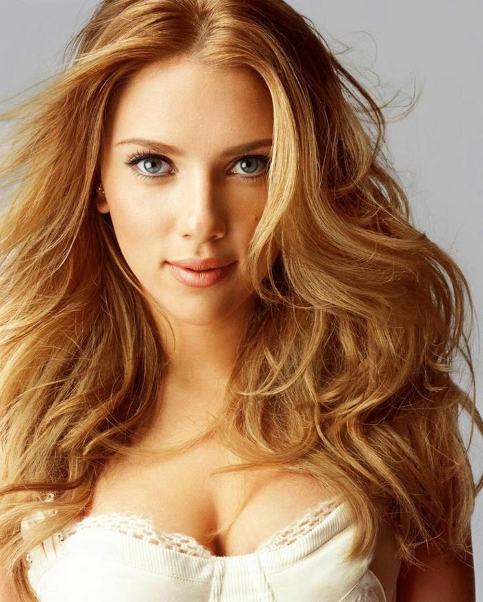 1-couleur-de-cheveux-meche-blond-blond-venitie-cheveux-longs