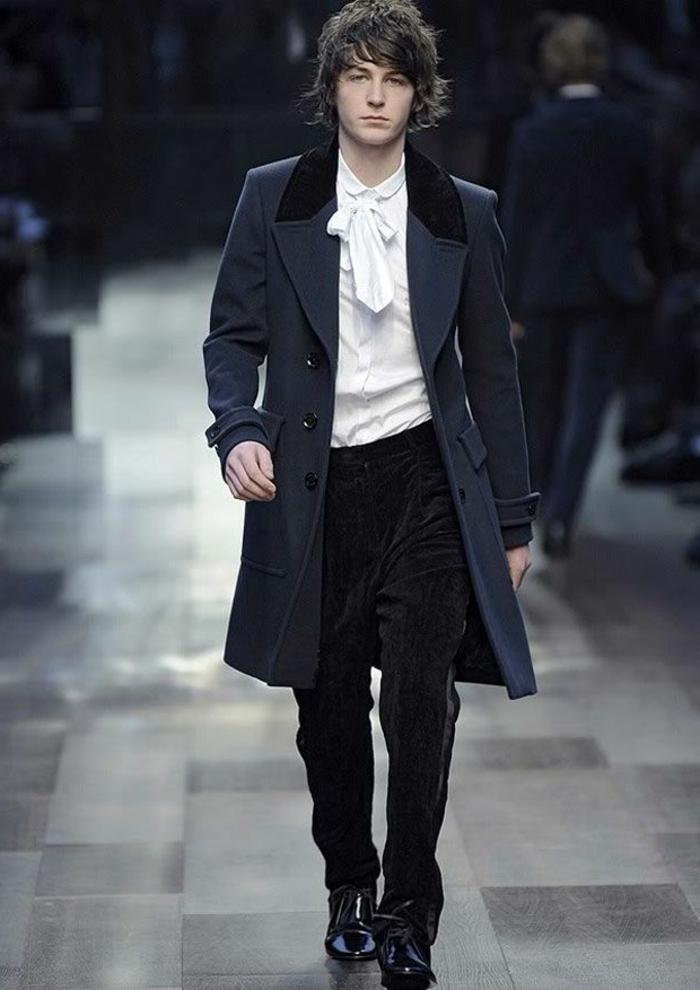 1-elegant-manteau-homme-zara-de-couleur-bleu-foncé-cheveux-marrons-pour-les-hommes-elegants