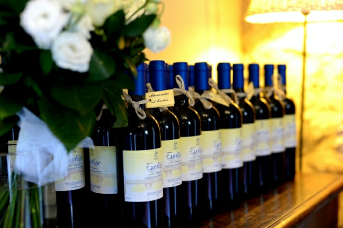 1-etiquette-bouteille-de-vin-originale-idee-pour-faire-une-jolie-bouteille-de-mariage-originale