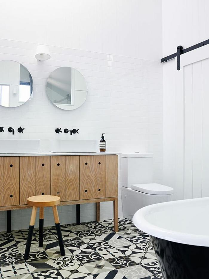 carrelage noir et blanc dans la salle de bain noir et blanc avec - Photo Carrelage Salle De Bain Noir Et Blanc