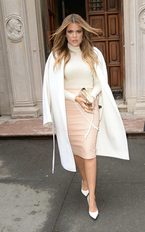 1-joli-manteau-d-hiver-blanc-manteau-cintré-femme-de-couleur-blanc
