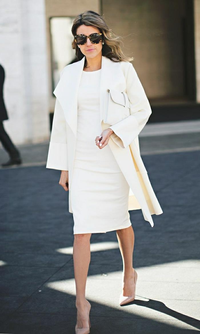1-joli-manteau-d-hiver-blanc-pour-les-femmes-modernes-une-femme-all-in-white