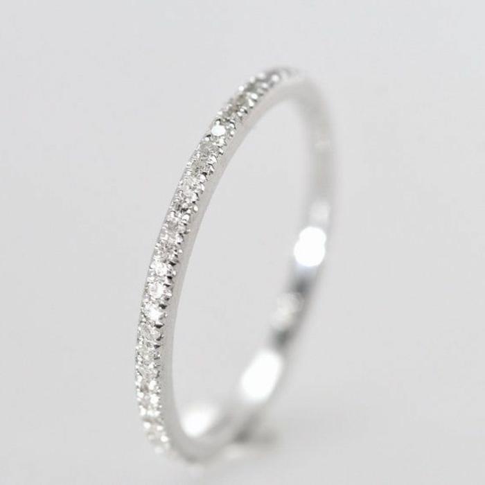 1-jolie-bague-de-mariage-avec-diamants-bague-mariage-mauboussin-pour-elle