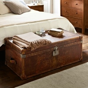 Un bout de lit coffre beaucoup de possibilités! 40 idées pour la chambre à coucher!
