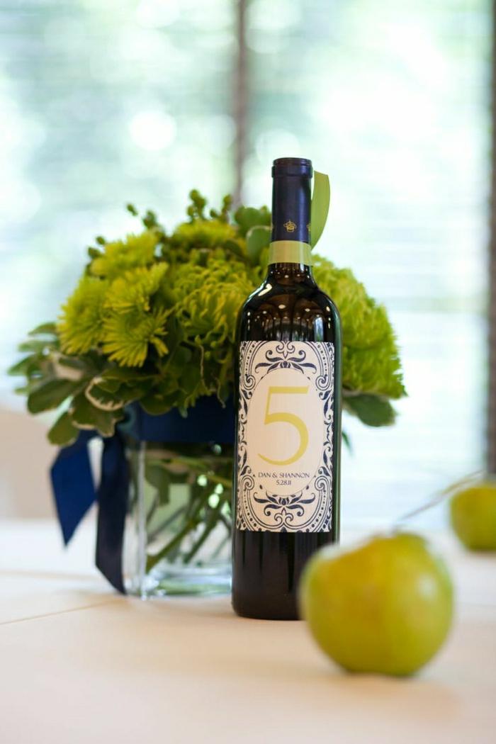 1-jolie-bouteille-de-vin-personnalisée-etiquette-vin-personnalisé-pour-la-table-de-mariage