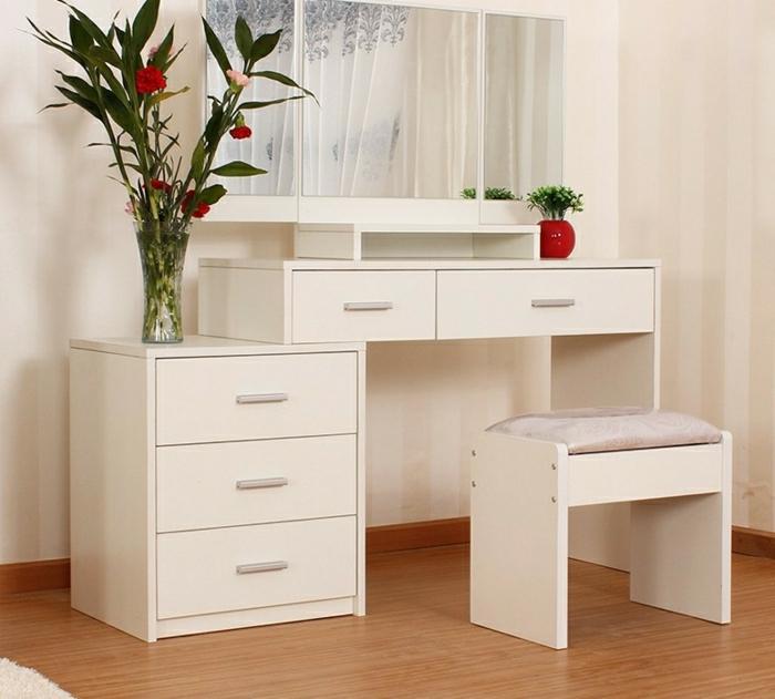 jolie coiffeuse avec miroir 40 id es pour choisir la meilleure. Black Bedroom Furniture Sets. Home Design Ideas
