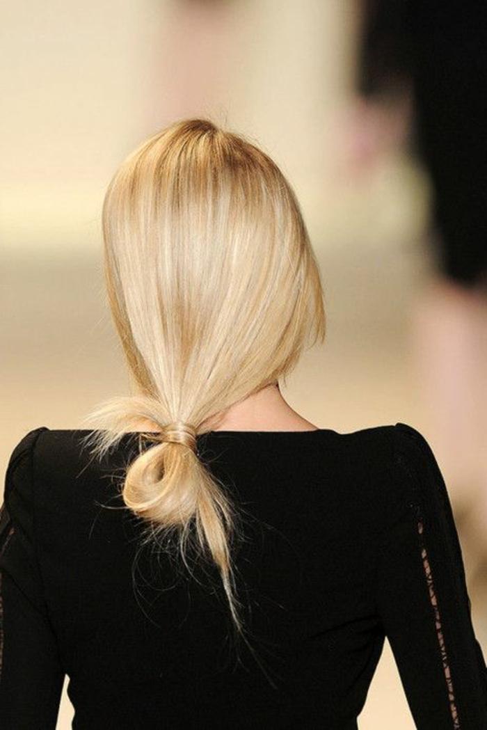1-jolie-coiffure-de-soirée-facile-coiffure-a-faire-soi-meme-pour-les-filles-blondes