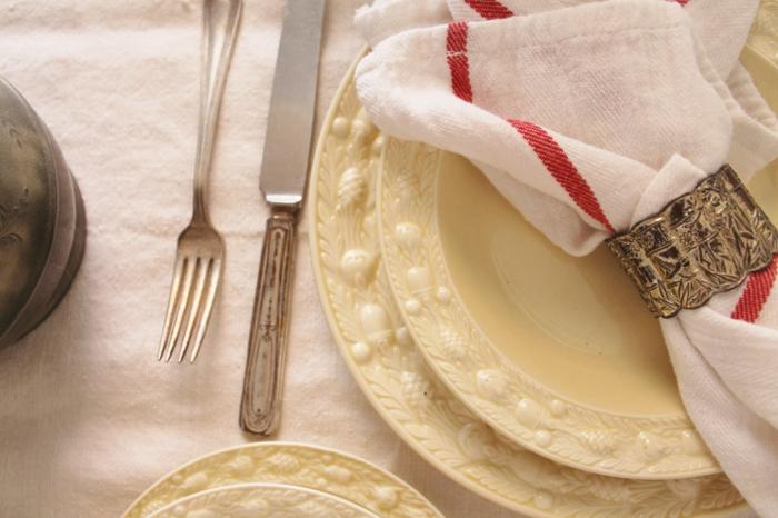 1-jolie-decoration-sur-la-table-de-noel-ronds-de-serviette-pas-cher-decoration-de-noel-pour-la-table