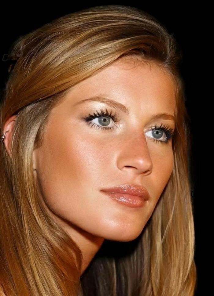 1 jolie femme avec blond fonc cendr cheveux - Coloration Cheveux Blond Fonc Cendr