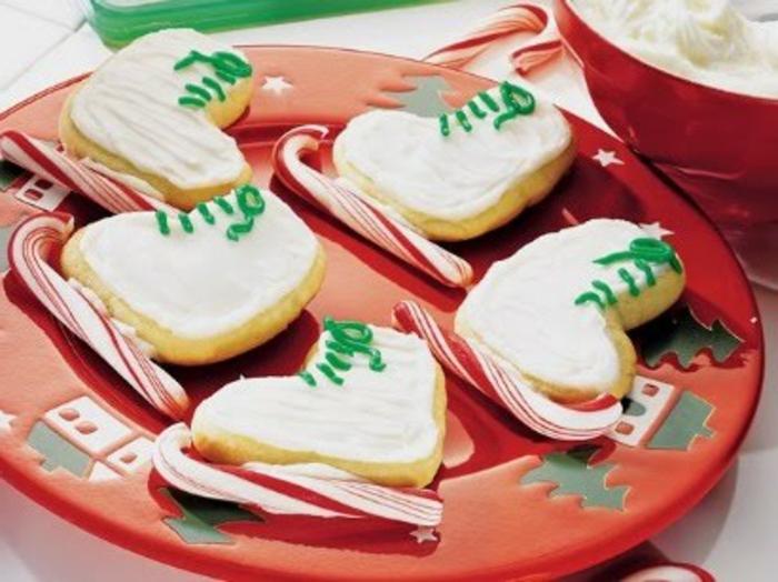 1-jolie-idee-pour-faire-biscuit-de-noël-bredele-de-noel-pour-decorer-la-table-de-noel