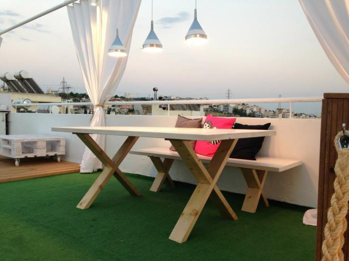 1-l-extérieur-meubles-en-palettes-idée-design-terrasse-verte