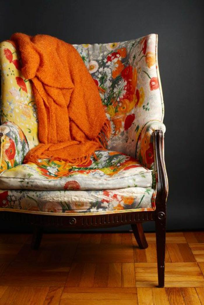 1-la-beaute-de-fauteuils-cabriolet-mini-fauteuil-coloré-shabby-chic-beige-et-orange