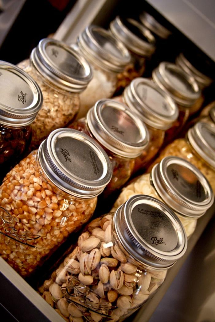 1-les-bocaux-le-parfait-pour-garder-les-produits-frais-dans-la-cuisine-moderne