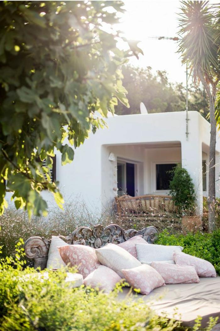 1-maisons-familiales-de-vacances-jardin-rustique-avec-maison-de-style-rustique