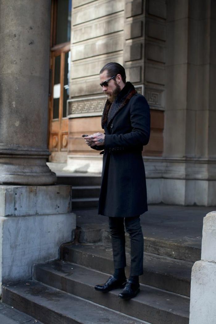 1-manteau-homme-celio-de-couleur-noir-pour-les-hommes-modernes-ave-lunettes-noirs