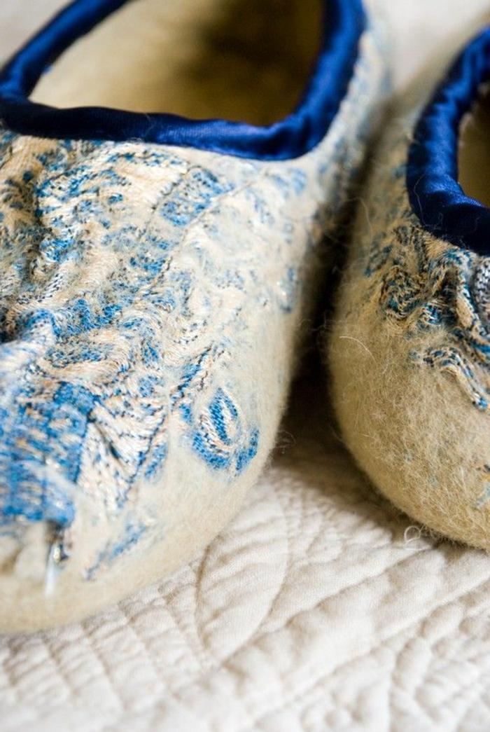 1-pantoufles-hommes-chausson-isotoner-pour-homme-de-couleur-gris-et-bleu