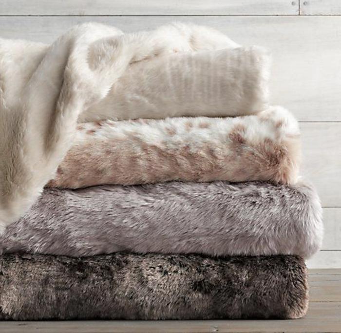 1-plaid-imitation-fourrure-blanc-et-beige-marron-foncé-comment-choisir-le-meilleur-plaid-imitation-fourrure
